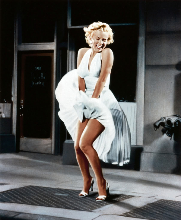 marilyn monroes role in the dumb blonde roles Top 10 hollywood actresses playing dumb actresses playing stupid blonde roles 1) marilyn monroe the role of the dumb blonde to a satirical.